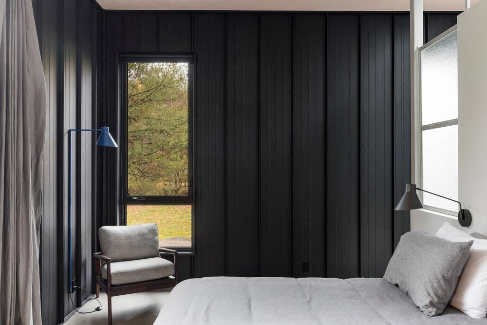 hillside home bedroom design tux2 - Abercorn Chalet
