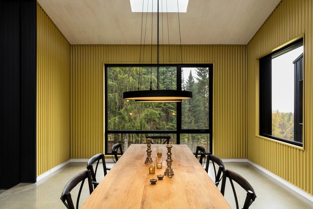 hillside home dining design tux - Abercorn Chalet