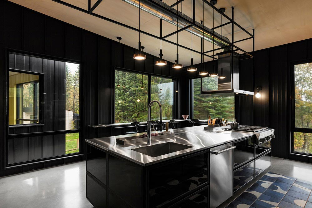 hillside home kitchen design tux - Abercorn Chalet