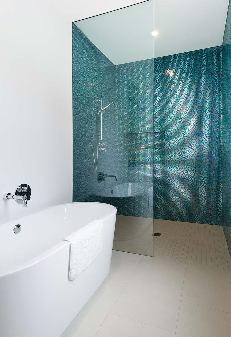 home interiors shower design prs - Echo House