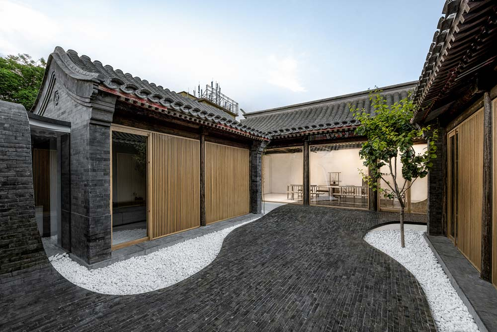 inner courtyard home design 4 - Twisting Courtyard