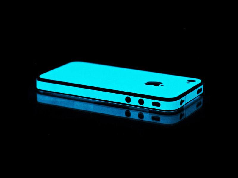 iphone skins glow1 - Vivid Glow iPhone 5S Skins: Lighting the Way