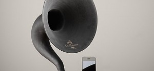 iphone-speakers-gramophone