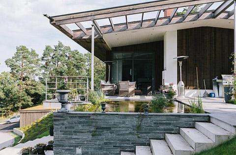 Elegant villa on Lidingo island in Sweden - Interior Home Design