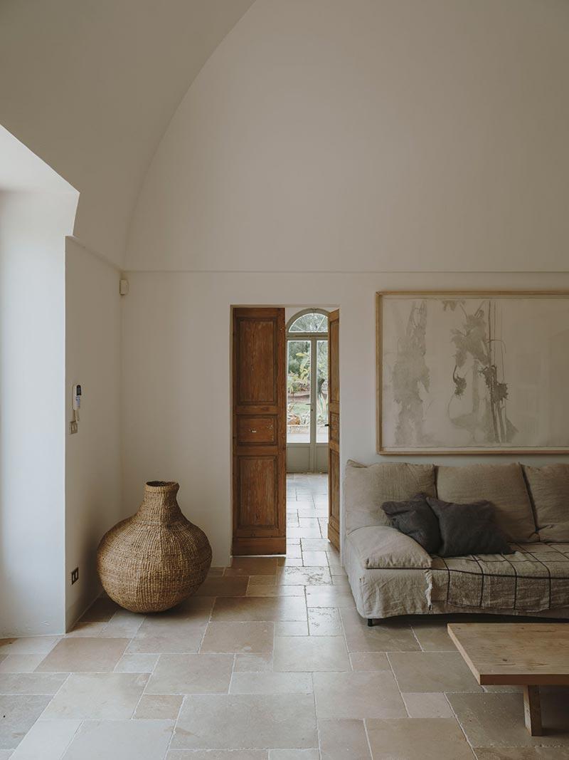italian villa living design at2 - Villa Castelluccio