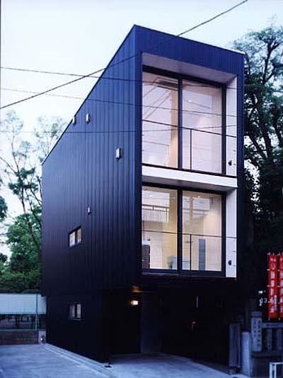 Japanese prefab narrow house japanese architecture for Narrow lot modern modular homes