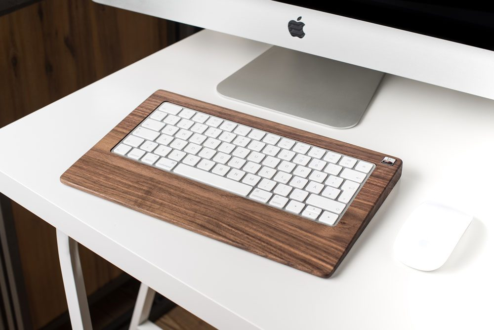 keyboard wood monotray0 1000x668 - Woody's Wired MonoTray: For the Naturalist Typist