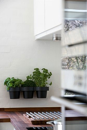 kitchen herb pots skagerak - Pots: a happy attachment of three for storage & decorative purposes
