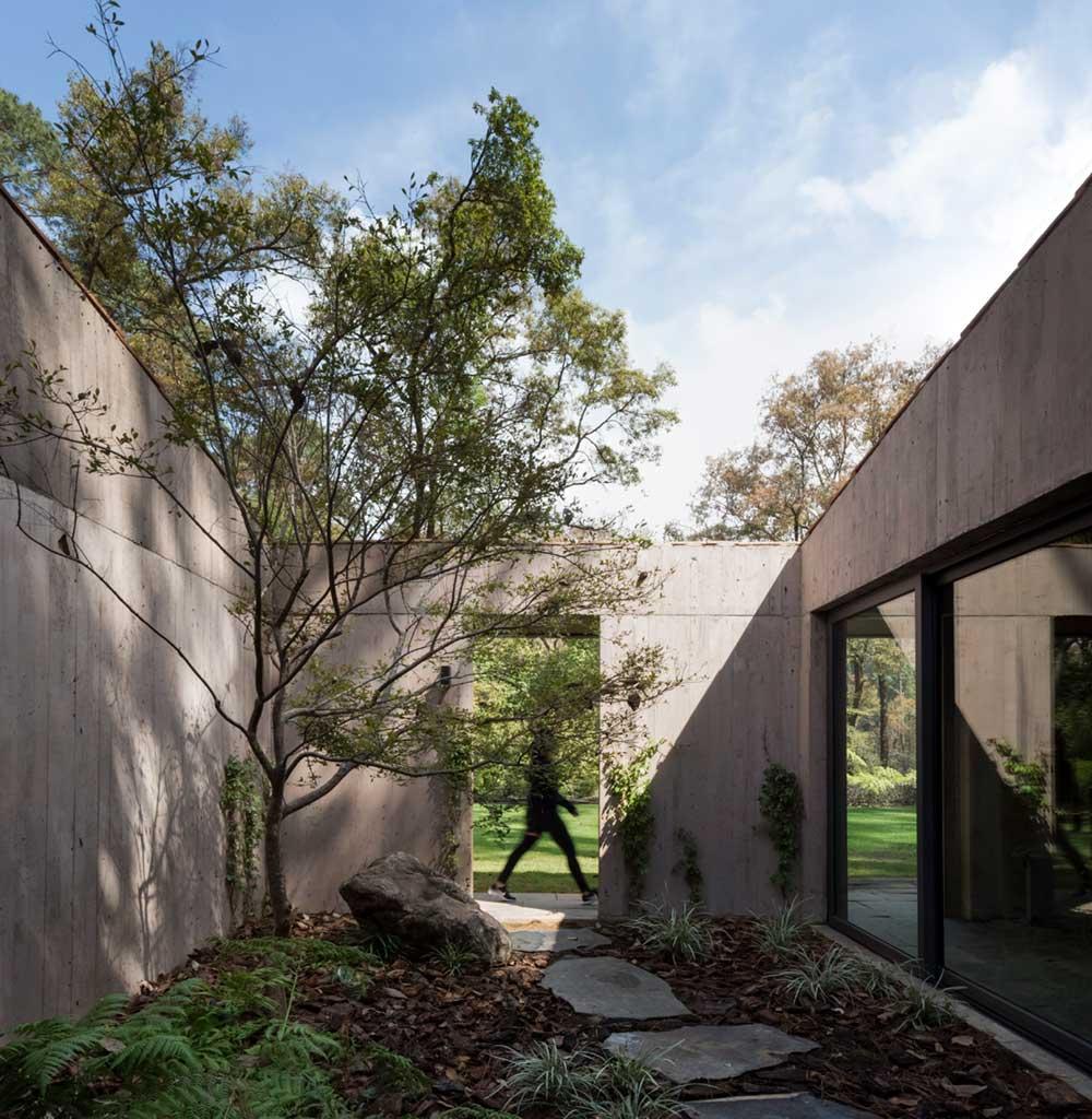 l shape house design courtyard - L House