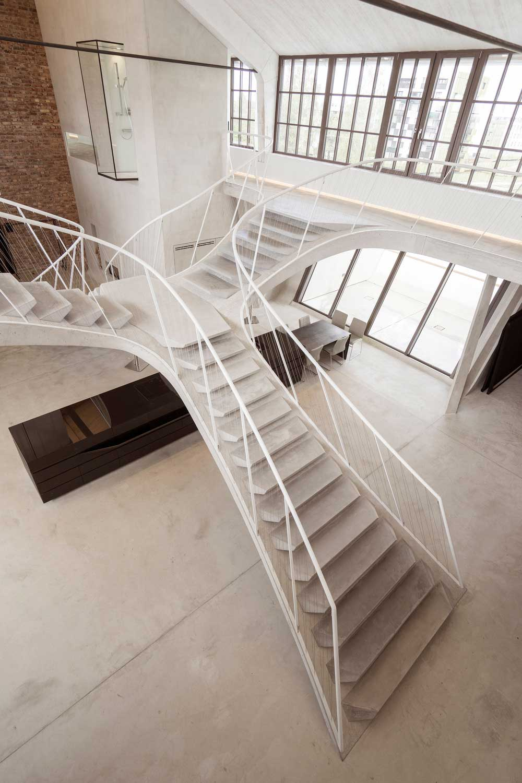 Unique Loft Staircase Design