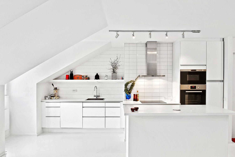 S dermalm loft diminutive penthouse loft design for Small penthouses design