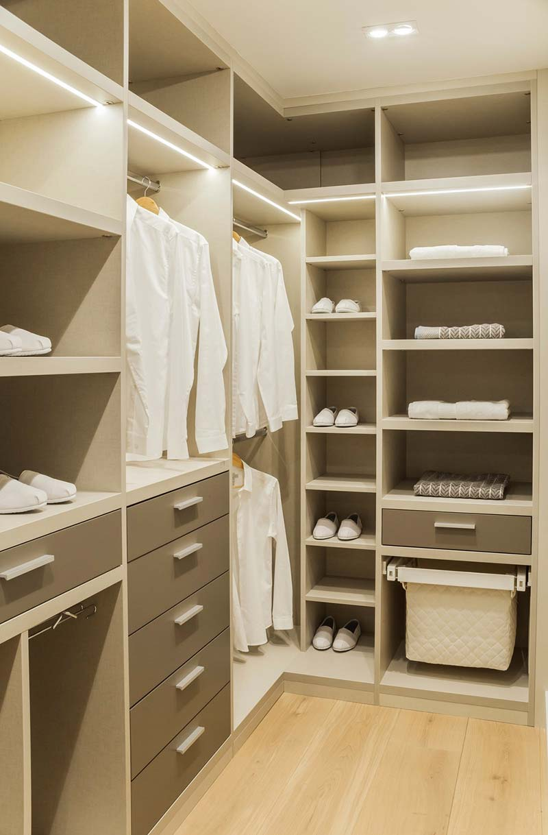 london townhouse wardrobe - Highgate Hill Townhouse