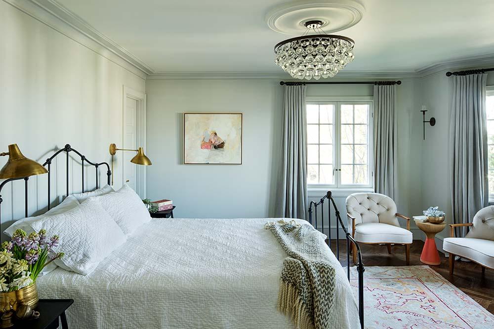 Luxury country style bedroom design