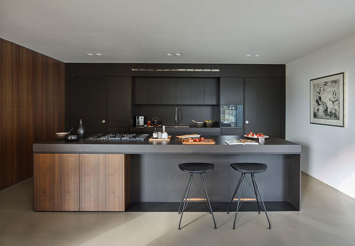 luxury home black kitchen design - Valles House