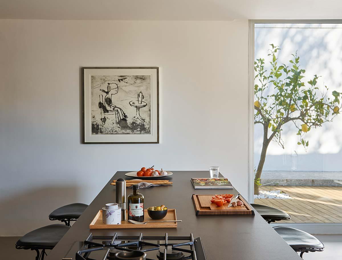 luxury home black kitchen island - Valles House