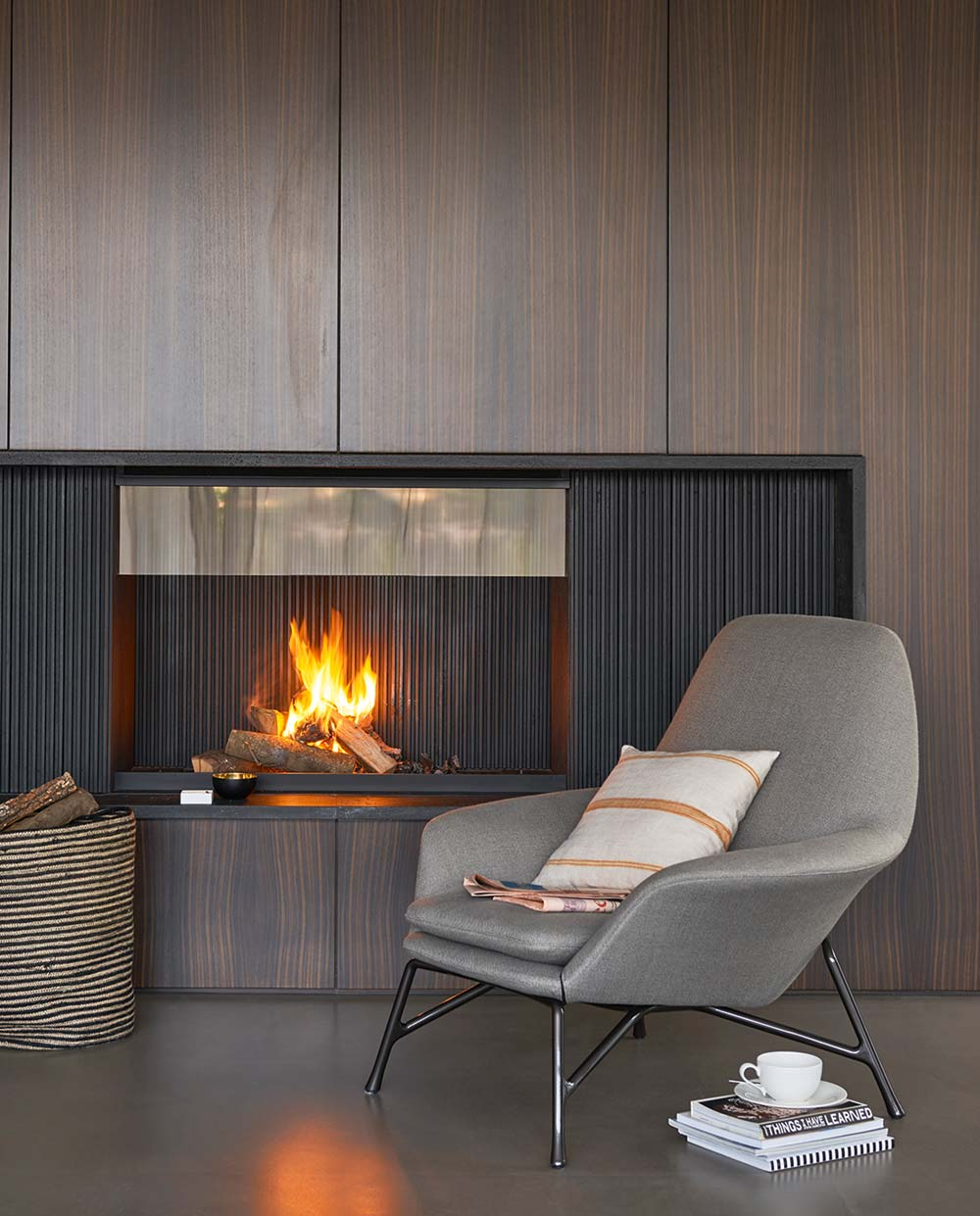 luxury home fireplace design - Valles House