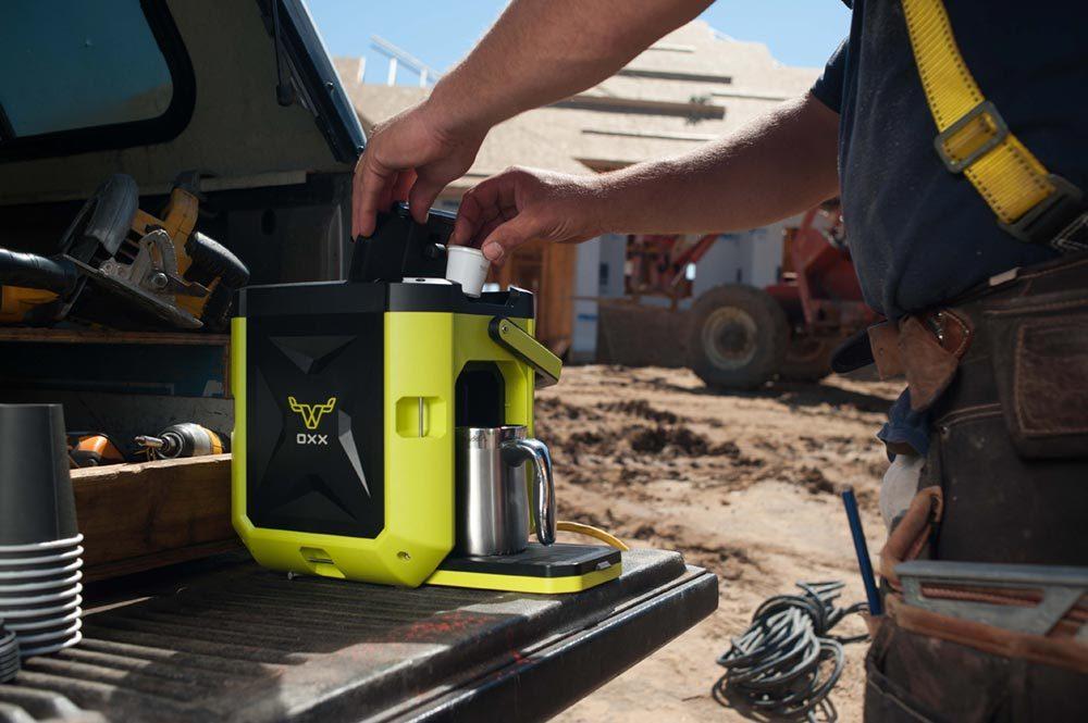 mobile coffee maker coffeeboxx 1000x665 - OXX Coffeeboxx