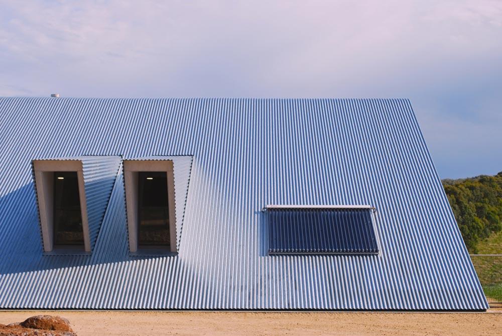 modern a frame house roof ab - Tucks Ridge House