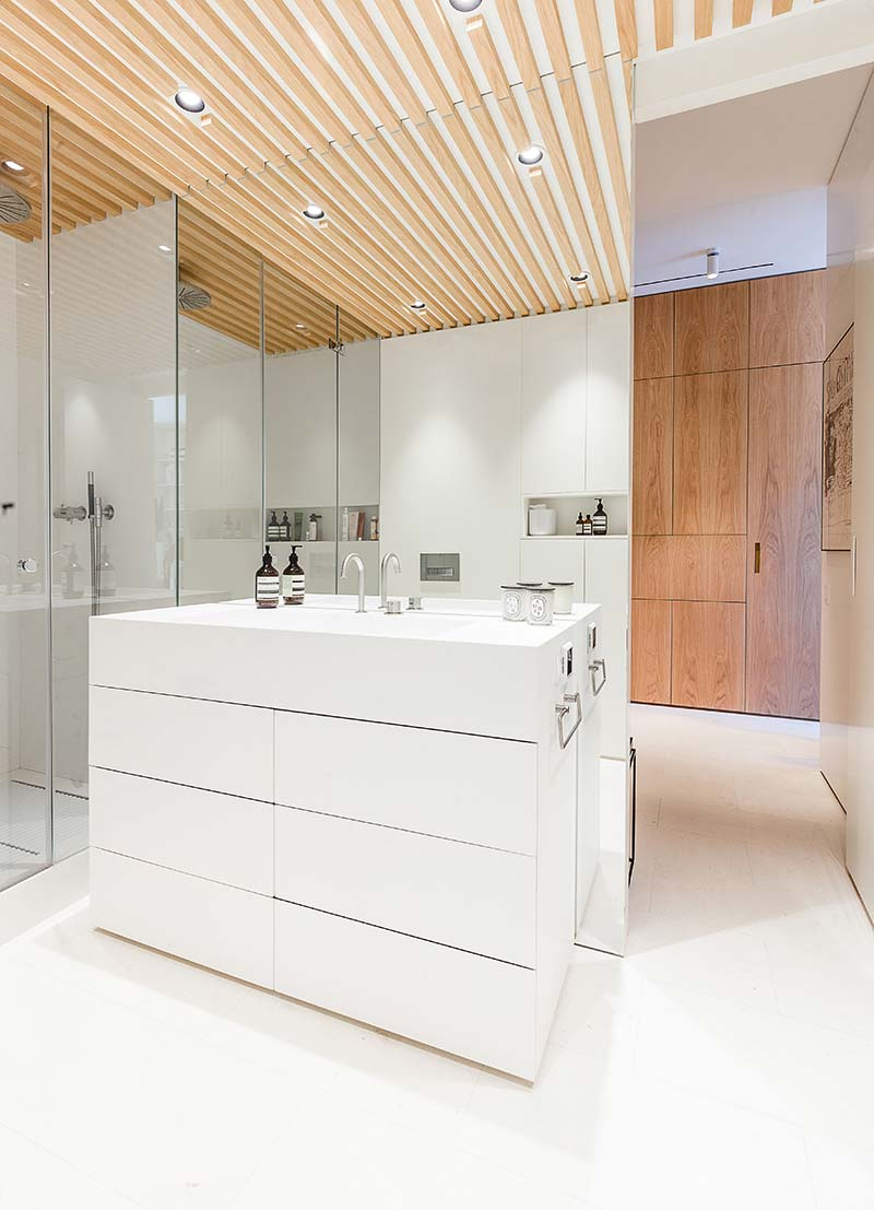 modern apartment bathroom design - Argentona Apartment