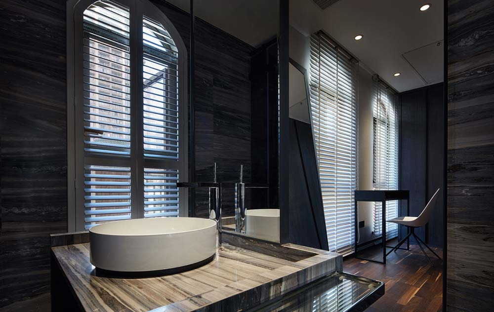 modern apartment design bathroom - Black Soul Apartment