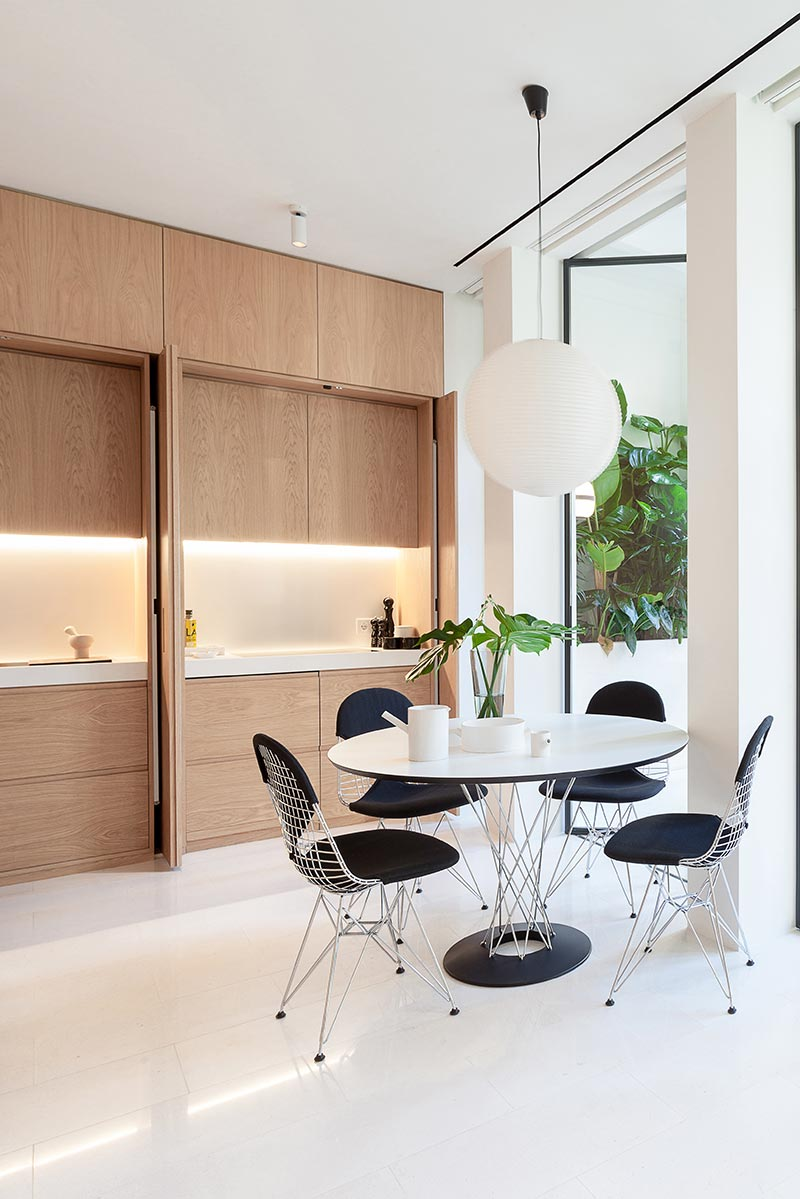 modern apartment design dining 1 - Argentona Apartment