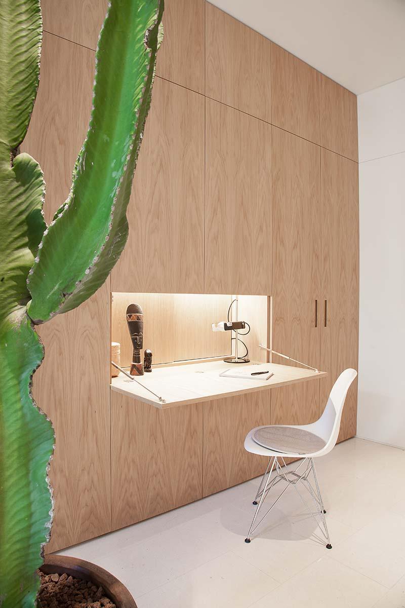 modern apartment home office design - Argentona Apartment