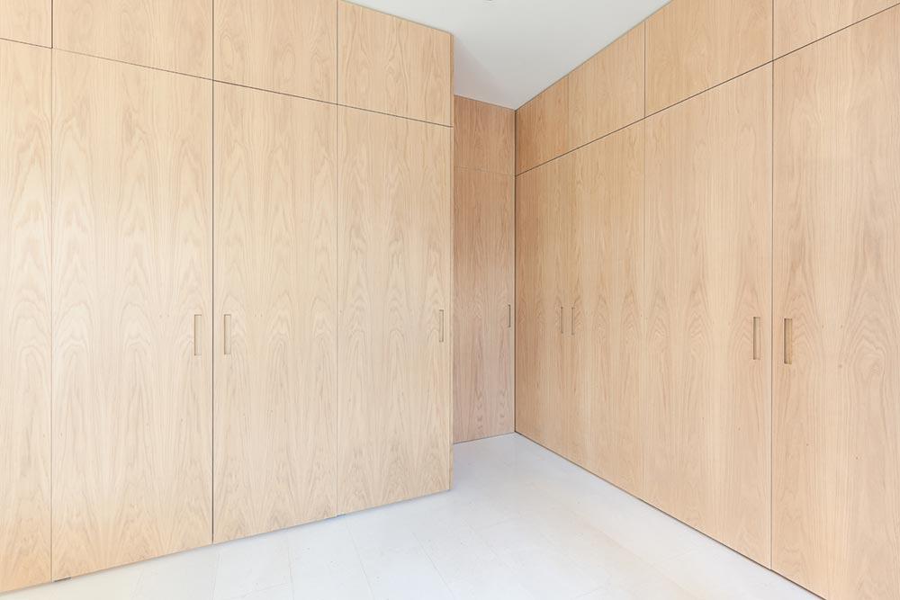 modern apartment kitchen design close - Argentona Apartment