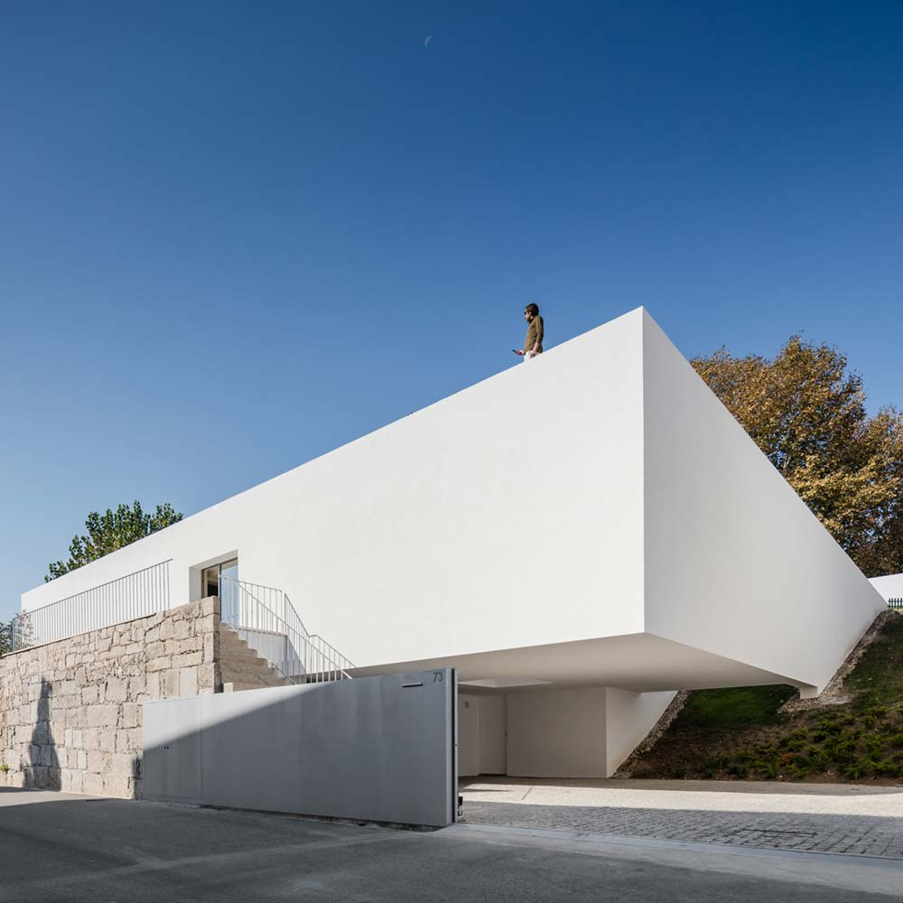 Modern Architecture Marvel In Portugal With A Smooth White