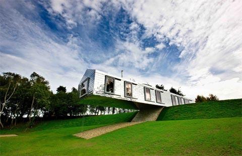 modern-barn-house-balance
