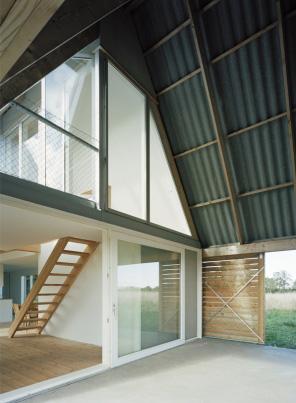 modern-barn-house-gsmr-llp4