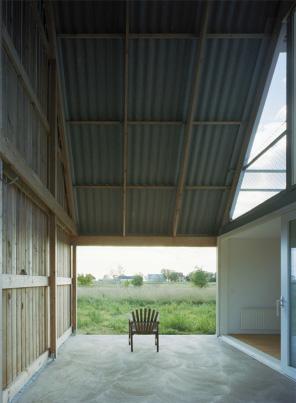 modern-barn-house-gsmr-llp5