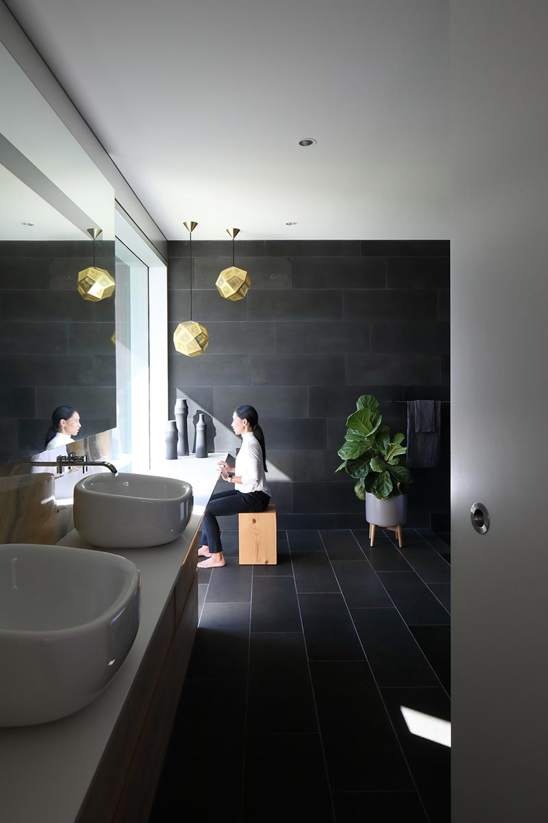 modern beach house bathroom mm2 - G'day House