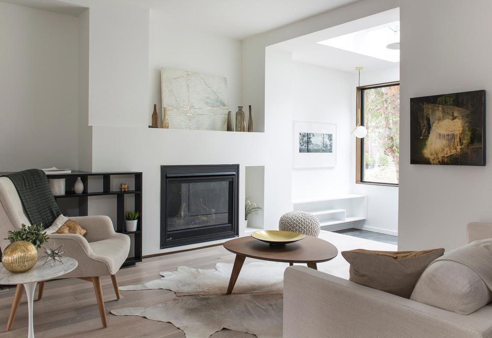 modern beach house living ca2 1000x687 - 1905 Beach House Sustainable Reinvention