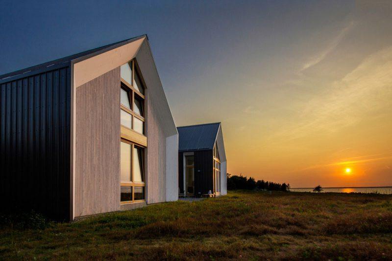 modern-beach-house-twins