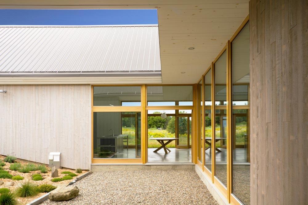 modern-beach-house-twins3
