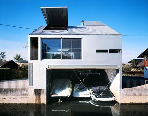 Boathouse A Bright Shiny Place Modern Architecture