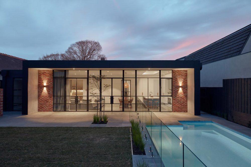 modern brick home pool 1000x667 - Unbricked House