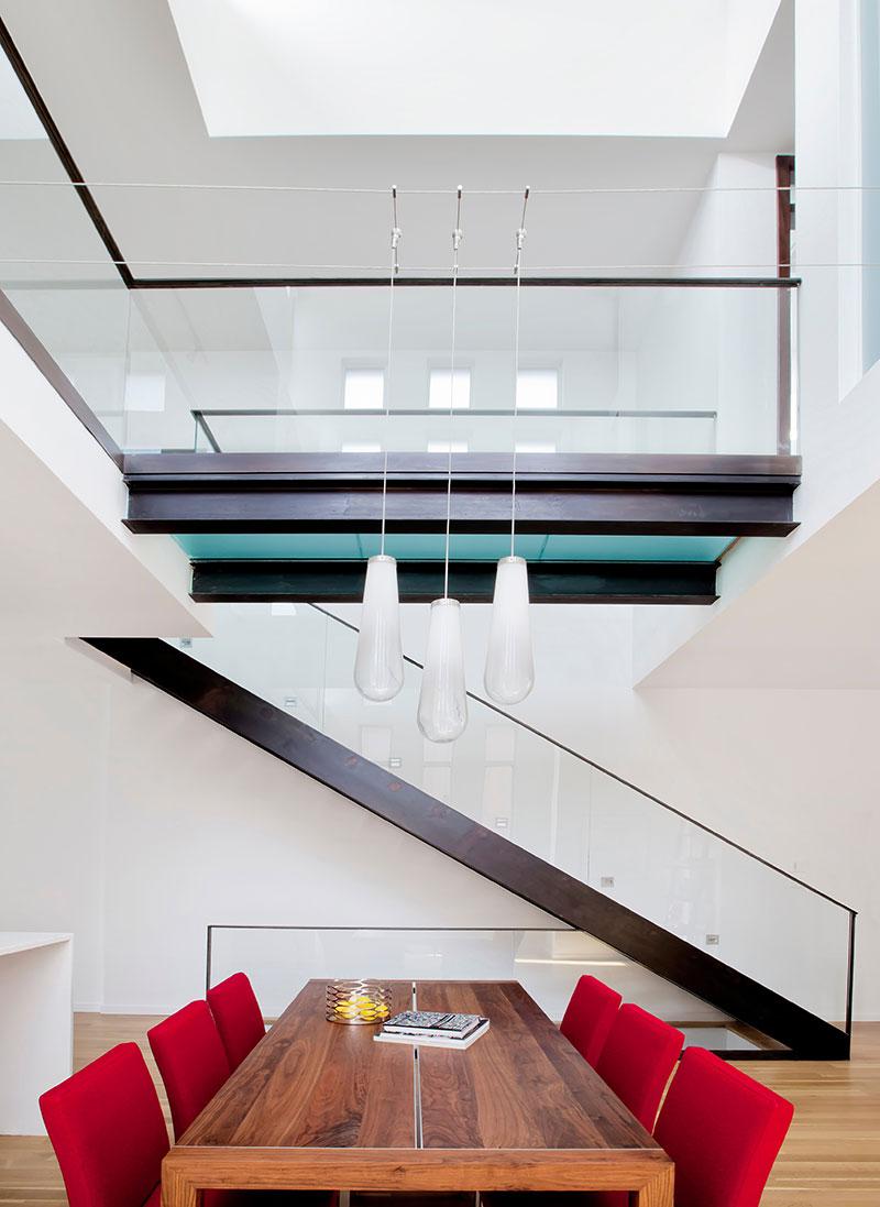 modern-brick-house-lndsdwn7