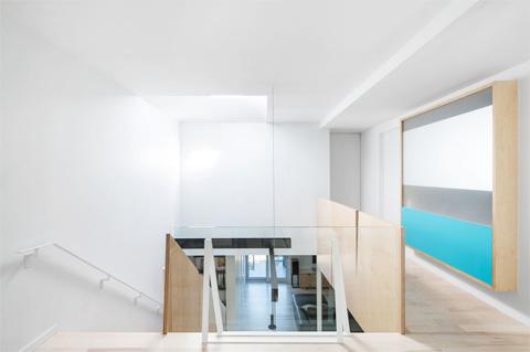 modern-bright-interiors-ljns6