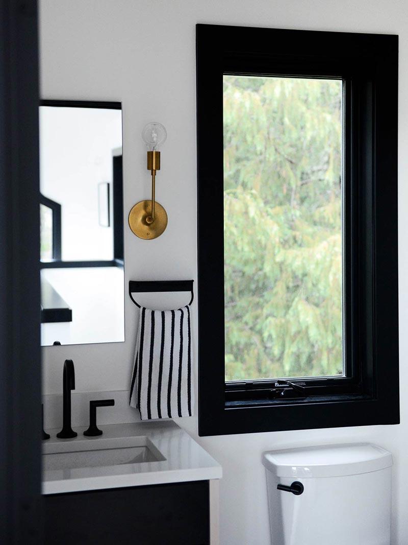 modern cabin bathroom design cw - Alpine Noir Chalet