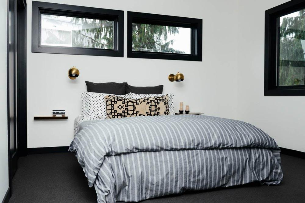 modern cabin bedroom design cw - Alpine Noir Chalet