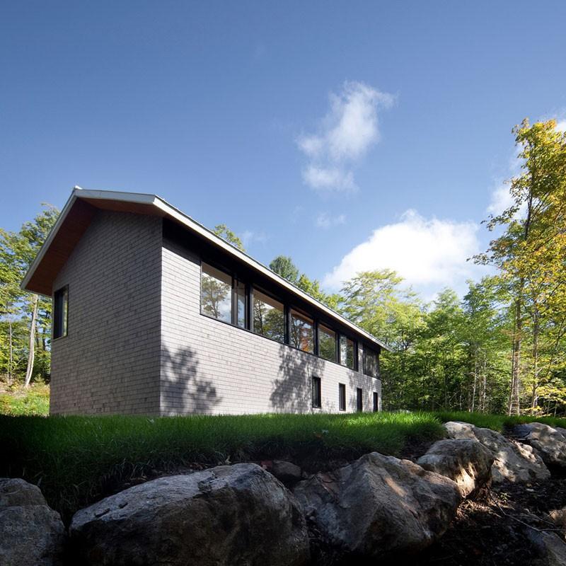 modern-cabin-panorama