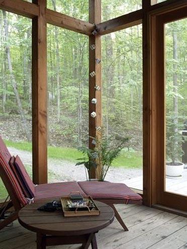modern-cabin-porch-muskoka
