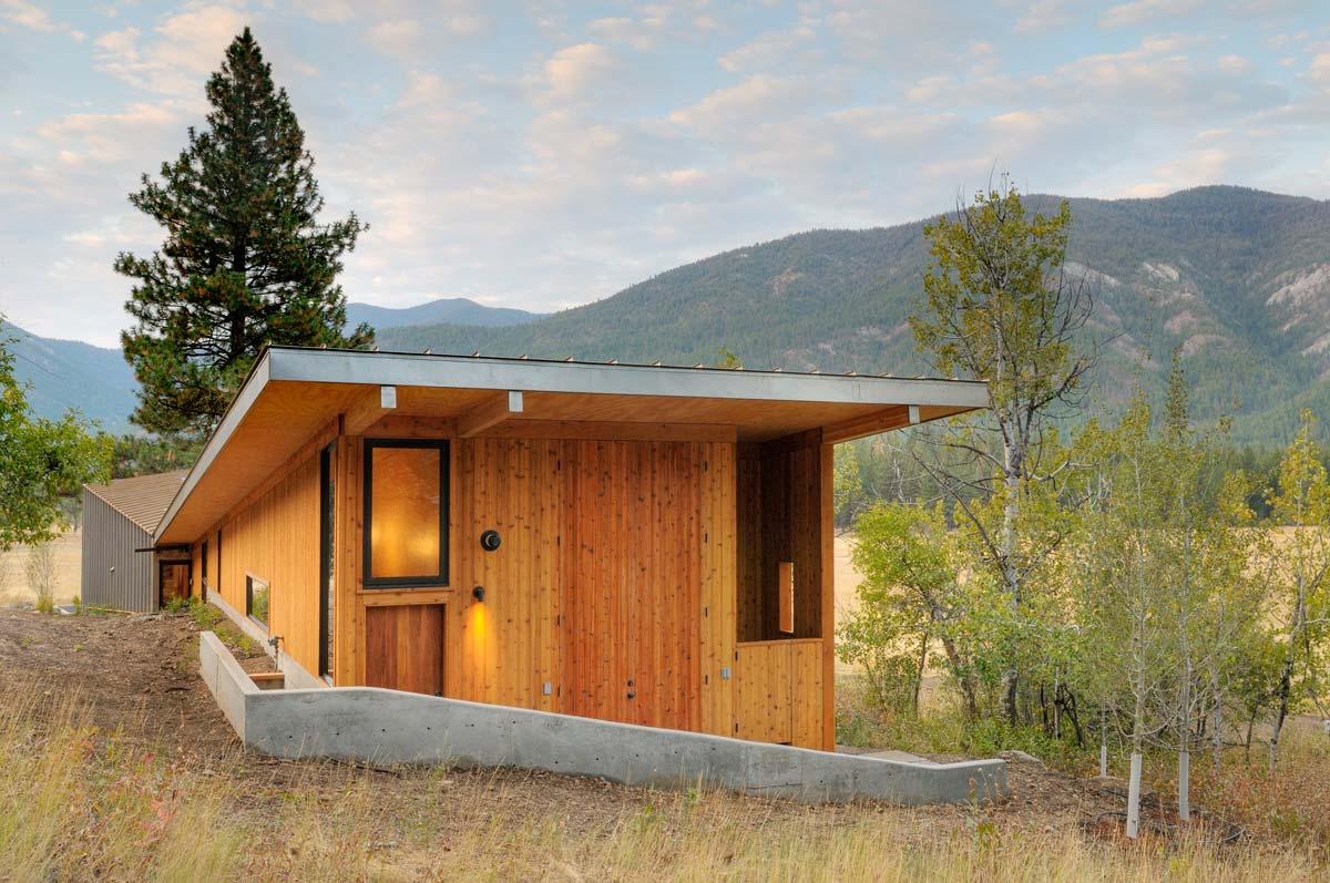 Miner s refuge ode to past and present modern cabins for Basic cabin designs