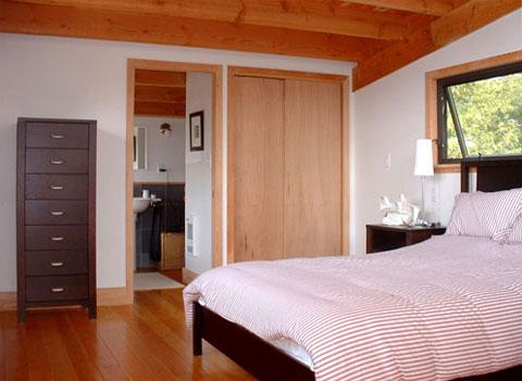 modern cabin shawanaga 6 - Shawanaga Bay Cabin: A Small coastal cottage