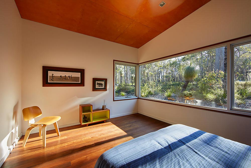 modern cabin steel design bedroom - Bush House