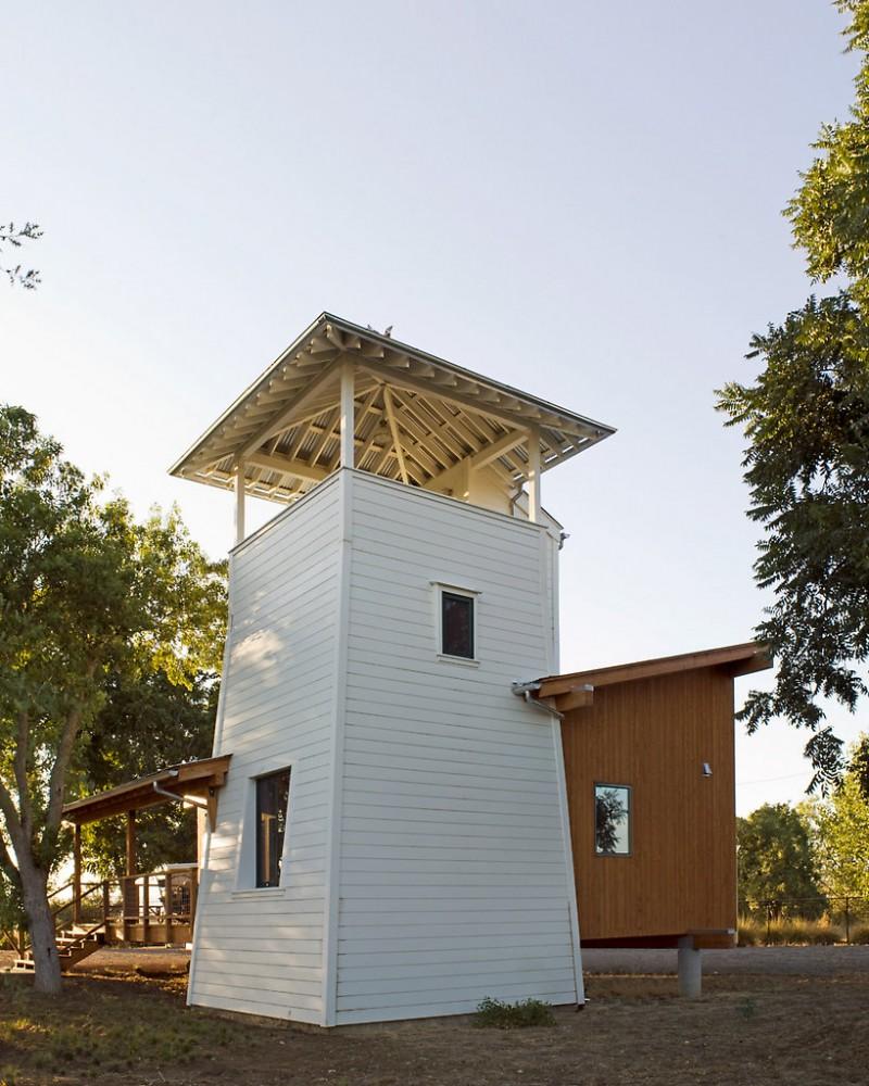 modern-cabin-yolo-baa