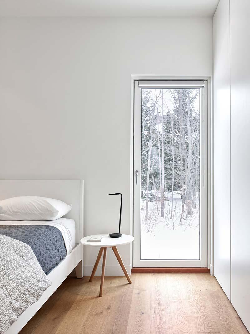 modern chalet design bedroom - Alta Chalet