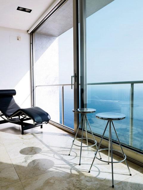 modern-coastal-home-vnh1