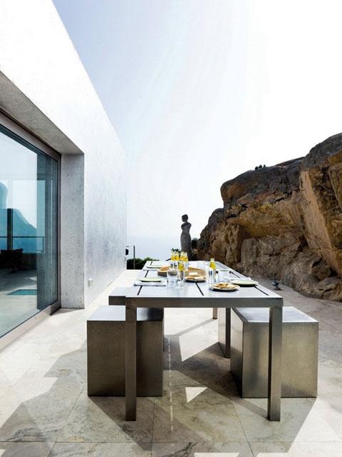 modern-coastal-home-vnh4